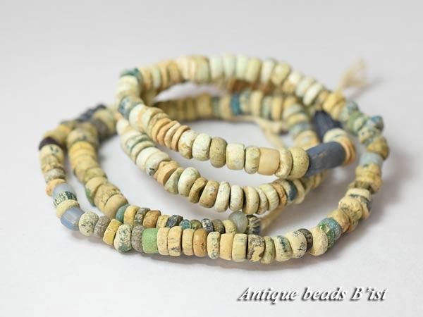 【1704】古代ローマン中小粒MIXニラビーズ一連2【とんぼ玉】【アンティークビーズ】【ローマングラス】【ビーズ】【パーツ】【antiquebeads】【骨董】【beads】【古代ガラス】【送料無料】【1704-1】
