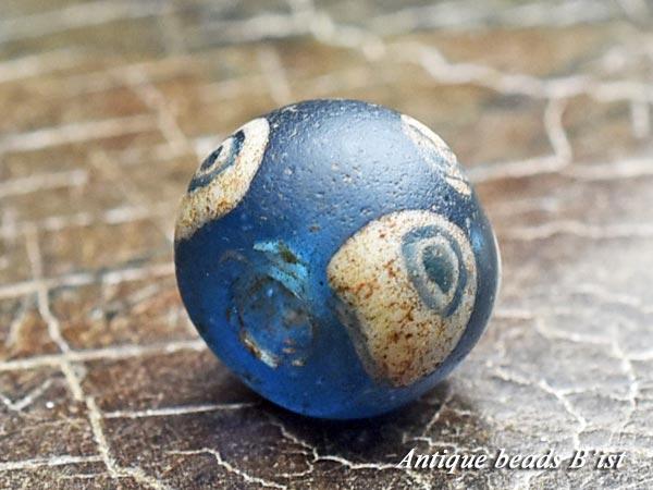 【1705】古代ローマン6眼貼付セミクリアブルーアイビーズD3【とんぼ玉】【アンティークビーズ】【ビーズ】【骨董】【蜻蛉玉】【antiquebeads】【beads】【古代玉】【古代ガラス】【送料無料】