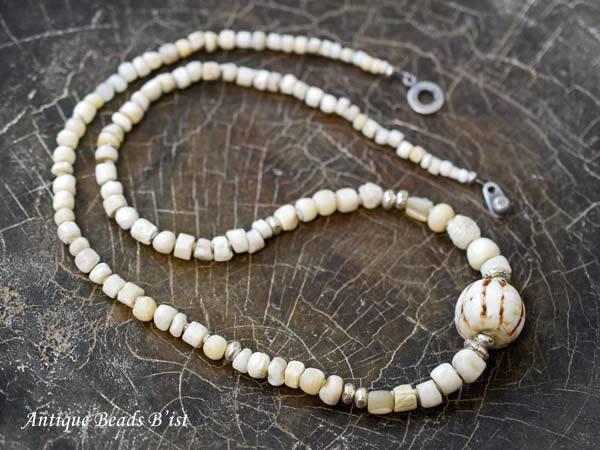 【1612】古代シェルビーズネックレス【とんぼ玉】【トンボ玉】【ビーズ】【ネックレス】【antiquebeads】【beads】【骨董】【蜻蛉玉】【送料無料】【貝ビーズ】
