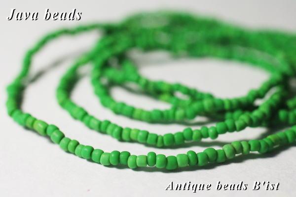 手芸用に便利 とんぼ玉 新品 税込 アンティークビーズ ジャワ薄緑の超小粒シードビーズ一連G パーツ beads ビーズ ガラスビーズ