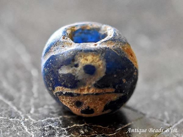【1805】ジャワ島出土セミクリア瑠璃色中粒マニックブルン1【とんぼ玉】【トンボ玉】【ビーズ】【骨董】【鳥玉】【骨董】【1点もの】【antiquebeads】【beads】【アンティークビーズ】【送料無料】