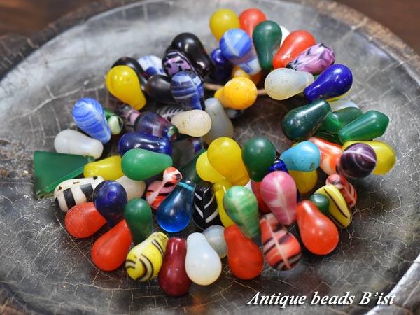 【1706】ANTQボヘミアガラスカラフル電球玉一連(大) 【とんぼ玉】【アンティークビーズ】【ビーズ】【パーツ】【ウエディングビーズ】【ドロップ】【antiquebeads】【beads】【電球玉】