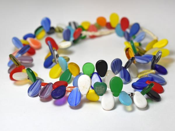 【1904】オールドボヘミアンのカラフルな扁平電球玉一連2【とんぼ玉】【アンティークビーズ】【ビーズ】【パーツ】【骨董】【チェコビーズ】【antiquebeads】【beads】【送料無料】