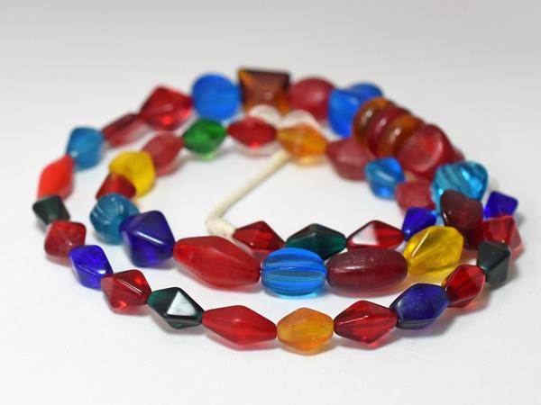 【1904】ANTIQUEボヘミアキャンディーのようなカラフルガラスビーズ一連3【とんぼ玉】【アンティークビーズ】【ビーズ】【パーツ】【ウエディングビーズ】【ウランガラス】【antiquebeads】【beads】【チェコガラス】【送料無料】