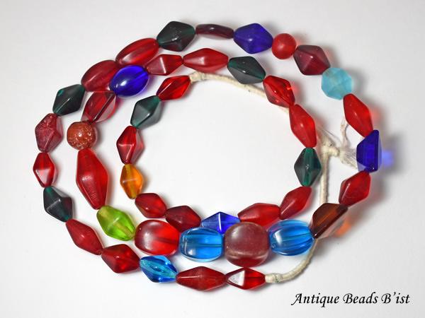 【1904】ANTIQUE宝石のような煌きのカラフルガラスビーズ一連4【とんぼ玉】【アンティークビーズ】【ビーズ】【パーツ】【ウエディングビーズ】【ウランガラス】【antiquebeads】【beads】【チェコガラス】【送料無料】