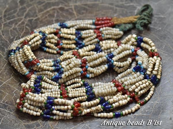 【1611】ナガ族伝世小粒玉トリコロールカラー首飾り11【とんぼ玉】【アンティークビーズ】【ビーズ】【パーツ】【ガラス】【送料無料】【antiquebeads】【beads】【民族】【伝世品】
