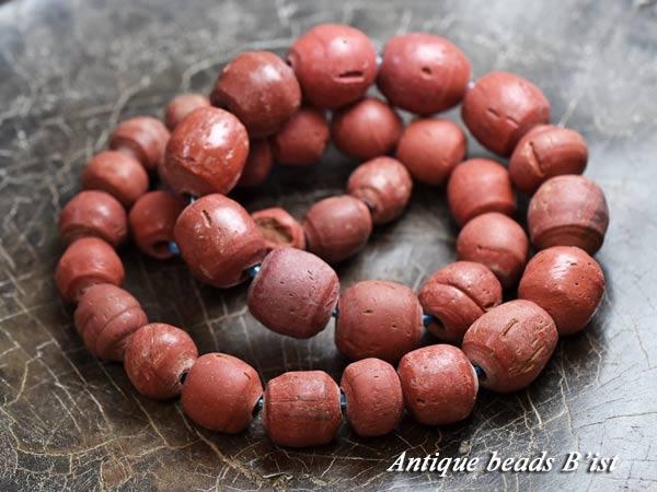 【1801】ジャワ島出土発掘赤褐色の丸玉一連5【とんぼ玉】【アンティークビーズ】【ガラスビーズ】【発掘】【骨董】【ビーズ】【パーツ】【antiquebeads】【beads】【送料無料】