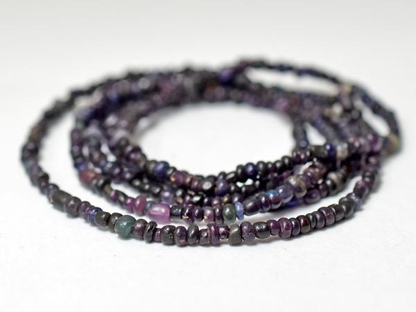 【2003】ビルマ出土セミクリア紫色ミックス極小粒ビーズ一連A6【とんぼ玉】【蜻蛉玉】【アンティークビーズ】【ビーズ】【パーツ】【骨董】【antiquebeads】【beads】【ハンドメイド】【送料無料】