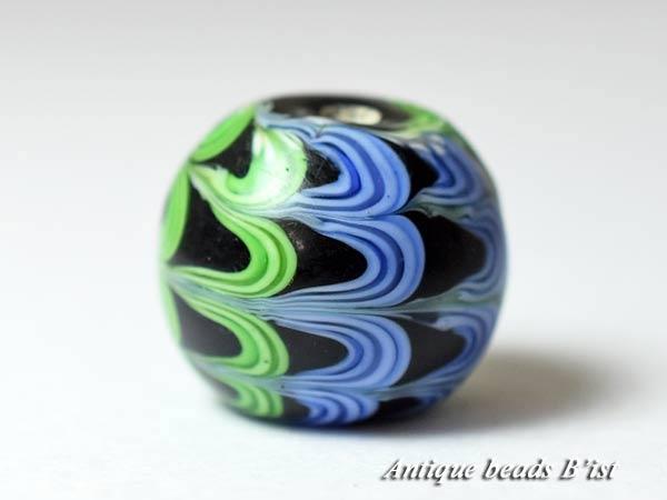 【1709】江戸とんぼ玉 二色波模様漆黒色大玉B2【とんぼ玉】【トンボ玉】【骨董】【根付】【和玉】【アンティークビーズ】【antiquebeads】【beads】【送料無料】