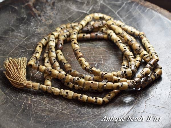 【1711】古色スカルビーズのマーラーカウンターネックレス【とんぼ玉】【トンボ玉】【ビーズ】【パーツ】【アンティークビーズ】【ボーンビーズ】【ハンドメイド】【スカル】【antiquebeads】【beads】