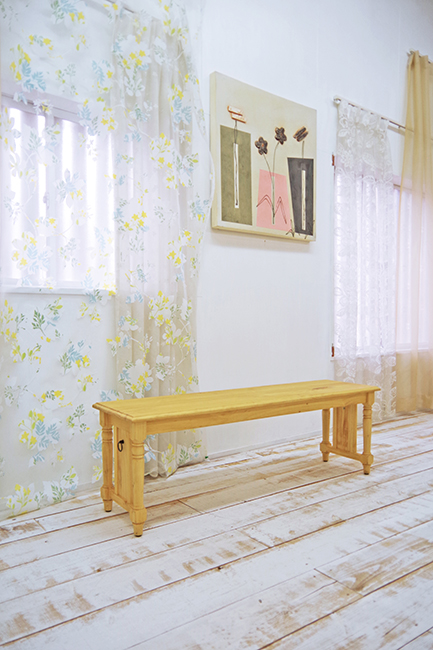 ナチュラルカントリー ベンチチェア 無垢木製の長椅子 幅130cm 3人座れる ベンチ椅子 無垢木製 ベンチチェア オーダーで角を丸くできる子供の安全安心設計も可能 木製ダイニングベンチチェア