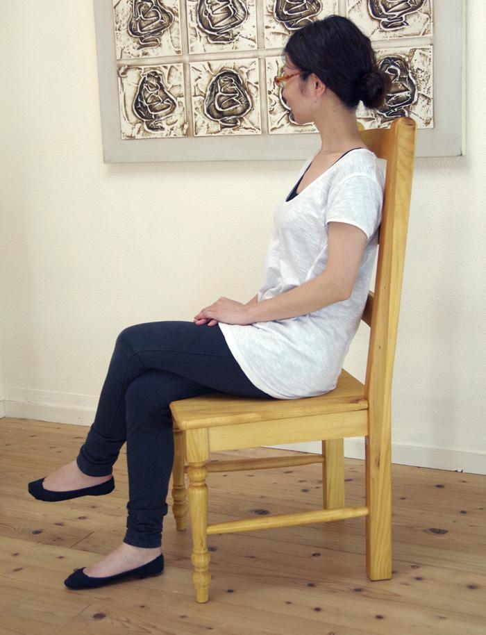カントリーパイン ダイニングチェア 座面高42cm 無垢木製 カントリー調 食椅子 シンプルなデザインの木製ダイニングチェア ナチュラルカントリー