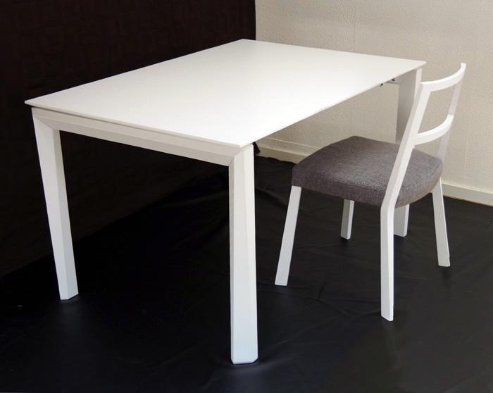 伸張式テーブル【白い木製ダイニングテーブル、幅130cm、180cm、230cm ホワイト色】3段階幅変更テーブル、イタリア製