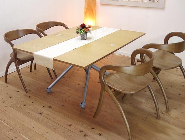 イタリア製幅伸縮高さ昇降リフティング多用途万能テーブル,高さ無段階でこたつ・座卓と一緒に合わせて使える♪イタリア製昇降伸張テーブル! 【伸長式リフティングテーブルEsprit/ビーチ色】昇降伸長式テーブルイタリア製/2倍に広がる天板/リビングテーブル/高さ調整テーブル/テーブル高さ37~82cm