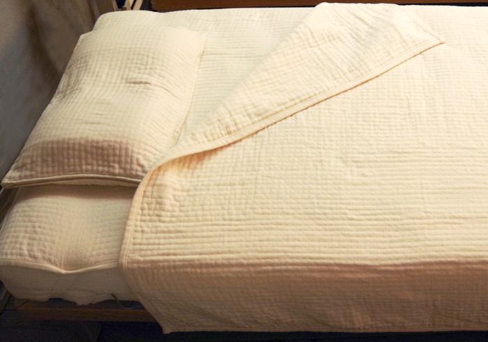 プレゼントにも【今治オーガニックコットン4層肌掛け、枕カバー、ベッドパッド、中厚ガーゼ シングルサイズセット】さらさらケットセット、コットン