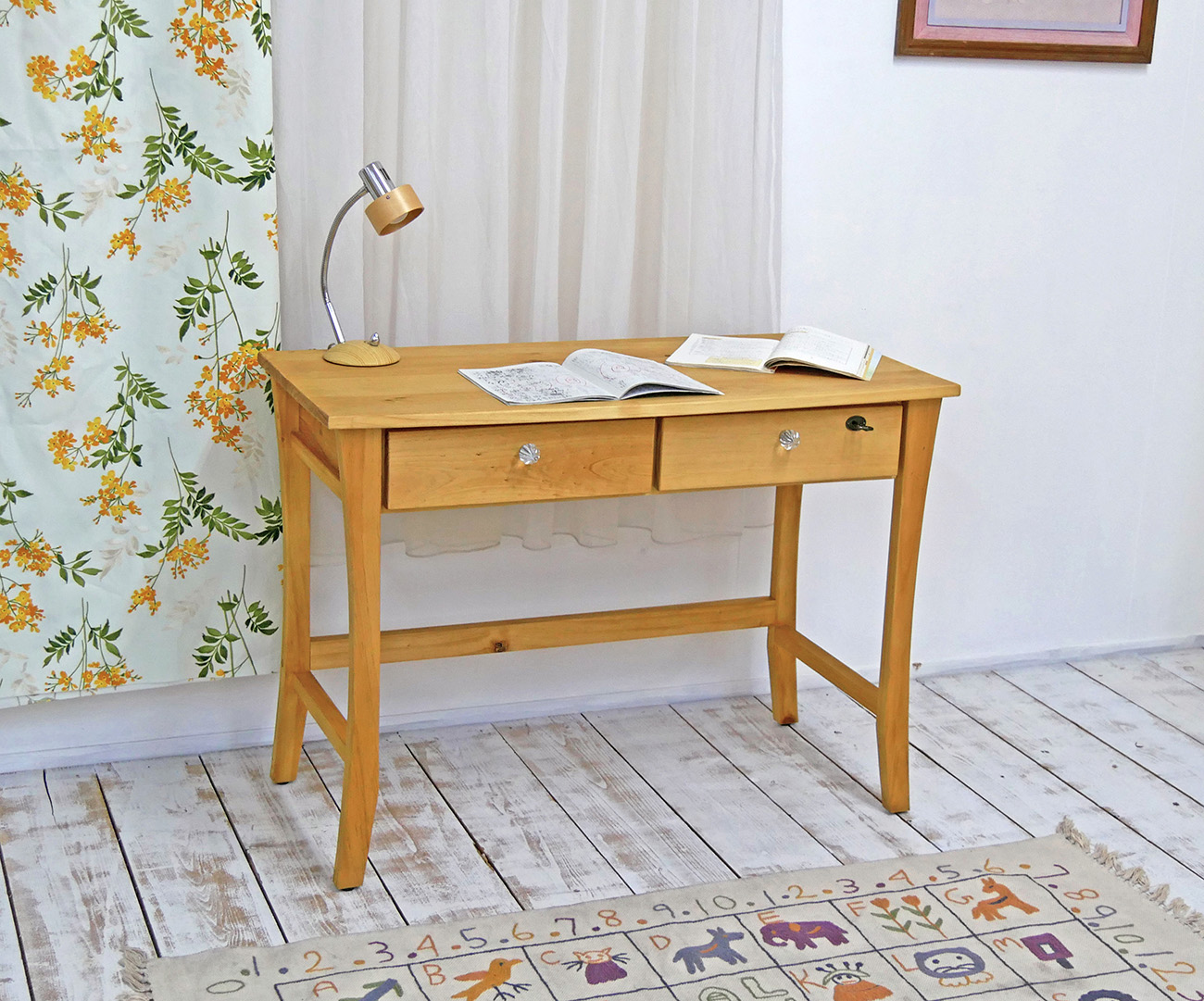 Country Pine Study Desk / Pine Furniture Learning Desk And Pine Desk