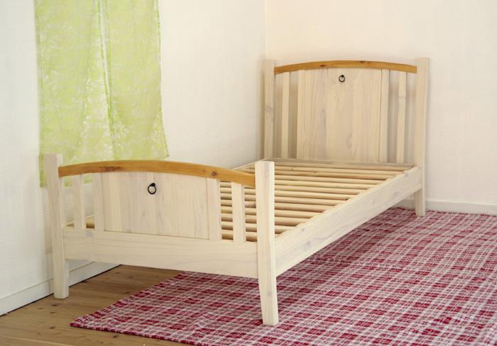 【カントリーパインベッド/ミルキーバレンシアベッド】シングルサイズ、白いベッド、ベッドフレームのみ
