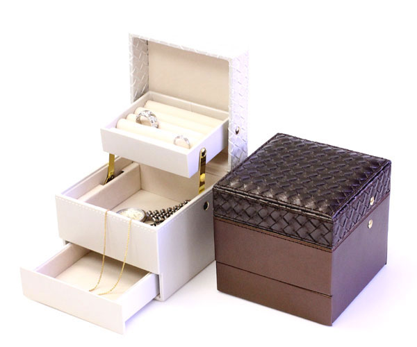 Jewelry box fine jewelry box jewelry case jewelry storage case storage box jewelry box jewelry BOX treasure box jewelry box jewelrybox ring into ring case accessories accessory case Interior glove compartment storage brown white P16Sep15