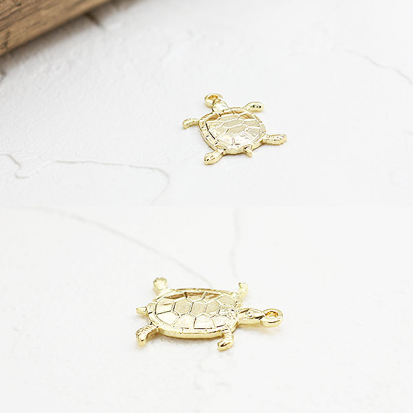Accessoryshopbarzaz rakuten global market thin turtle pendant top longevity symbol gold turtle parts less so such as pendants and charms can be used freely mozeypictures Images