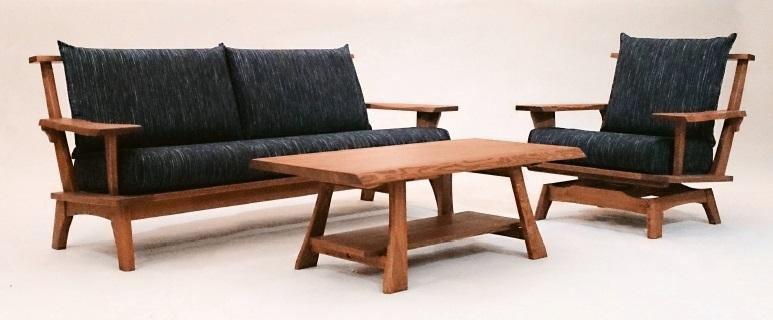 第一産業 こもれび 2PソファL32タモ無垢材木の塗色は2色対応(ON/OB)オイル塗装クッションの張地43色の中から選択可送料無料(沖縄、北海道、離島は除く)座の張加工は約15日程かかります(変更不可)。