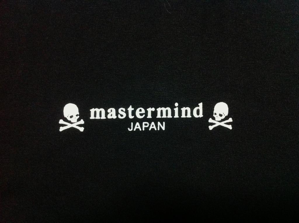 日本主谋策划日本 x 一民族前夕限量版 T 恤黑色 B1