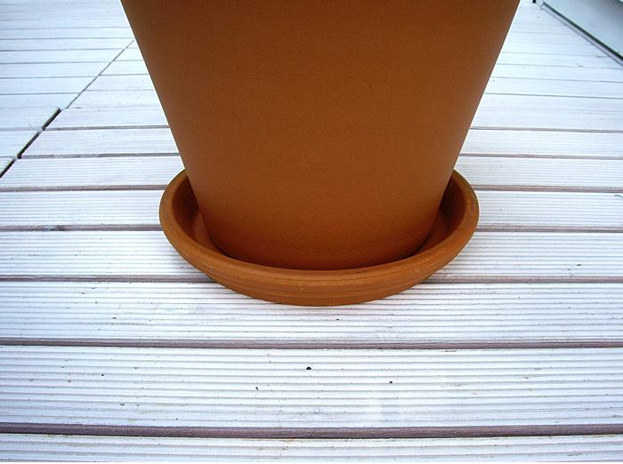 ~インテリアガーデンに欠かせません ~サイズバリエーションを揃えました 本日の目玉 シンプルなデザインはイタリア製以外の鉢にも似合います 直輸入だから低価格 イタリア製 テラコッタ 注目ブランド ポットソーサー 11cm 受け皿 植木鉢用 deroma 受皿 鉢皿 ピアット Italian デローマ社 素焼き Terracotta 鉢受皿 陶器製
