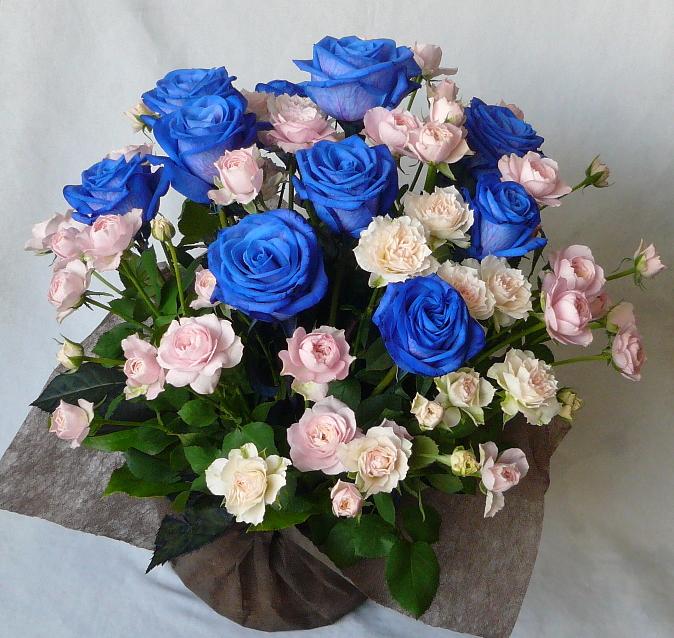 ブルーローズとピンクバラのアレンジメント【ブルーローズ】【青いバラ】【誕生日 花】