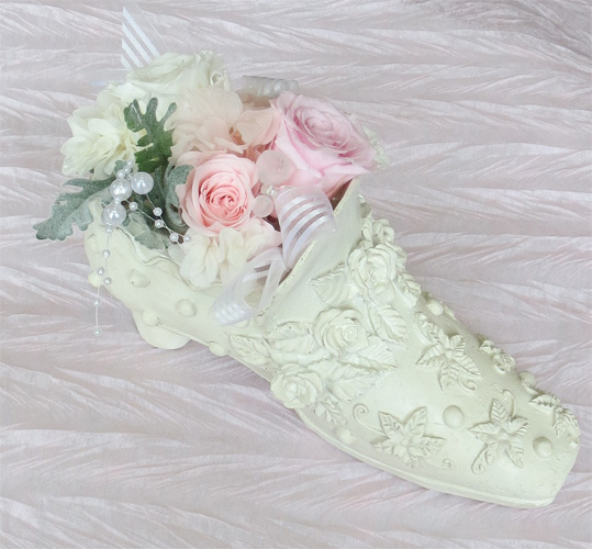 プリザーブドフラワー/左の靴 アレンジメント【誕生日】【記念日の花】【プロポーズ】【結婚の御祝い】
