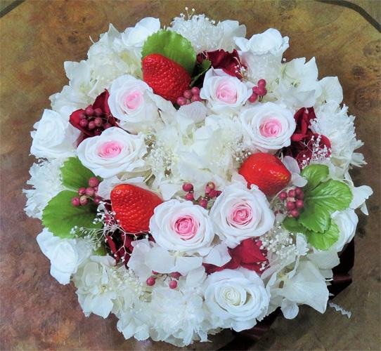 プリザーブドフラワー・フラワーケーキ・ピンクストロベリー ベリーケーキ イチゴとベリーたっぷりのケーキ☆