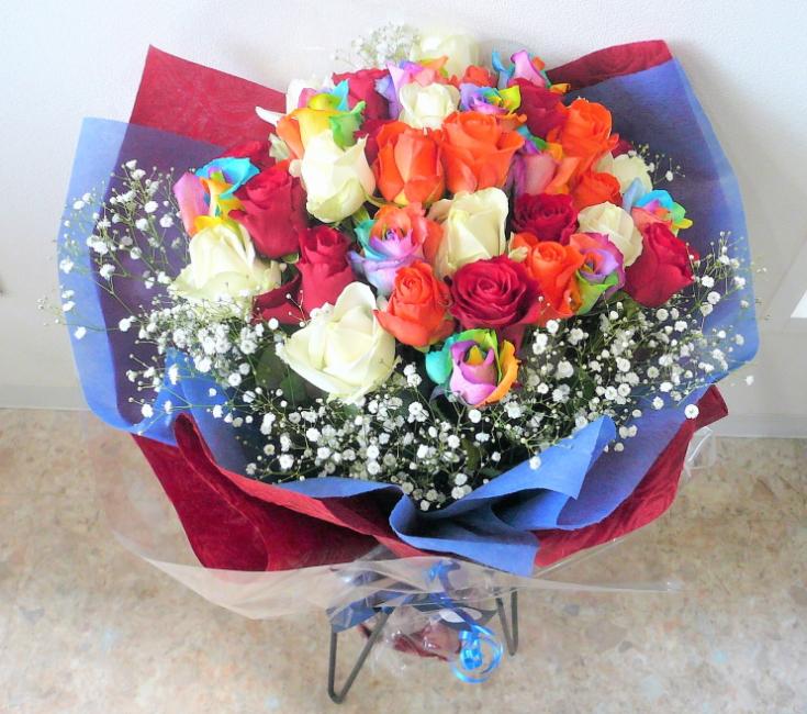 バラの花束/レインボーローズとカラフルバラ【7色のバラ】【結婚祝い 花】【誕生日 花】