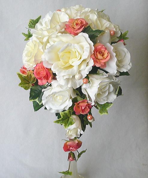 ウエディングブーケ/白バラ&オレンジバラセミキャスケードブーケ ブートニア付き