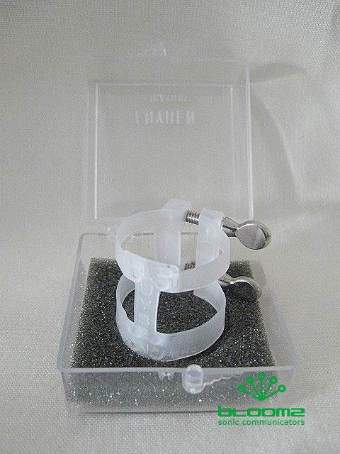 ソフトな樹脂製のリガチャーです bllt 人気の製品 luyben ルイベン 2215 クラリネット用リガチャー 人気の製品