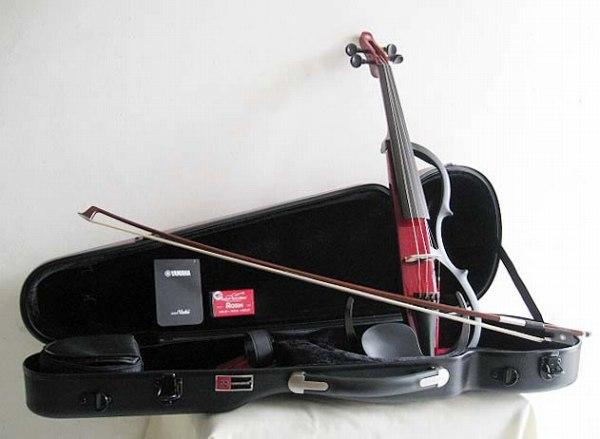 届いてすぐにスタートできる!YAMAHA・ヤマハ / YSV104S-RD サイレントバイオリンセット 4弦モデル 4/4サイズ レッド エレクトリック バイオリン【smtb-tk】