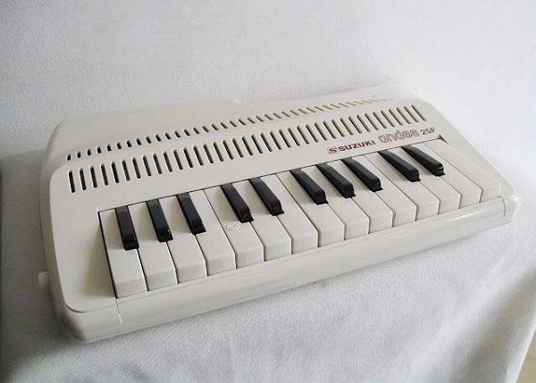 即納品!SUZUKI / andes 25Fアンデス ナチュラル 数量限定カラー(吹奏鍵盤笛)