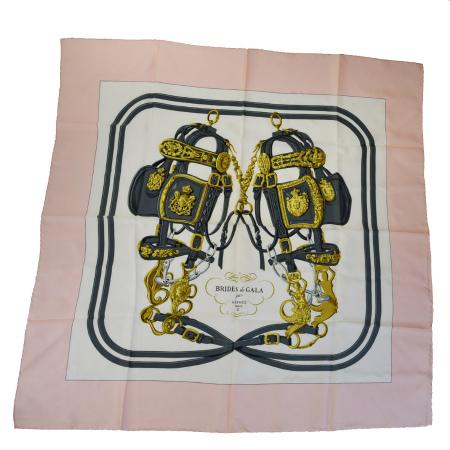 送料無料 【中古】 エルメス HERMES カレ 大判 スカーフ BRIDES de GALA par 馬具 ピンク ホワイト グレー シルク 09HA504