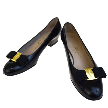 送料無料 【中古】 サルバトーレフェラガモ Salvatore Ferragamo パンプス 靴 ヴァラ ブラック レザー レディース 5.5C 23cm 03BC180