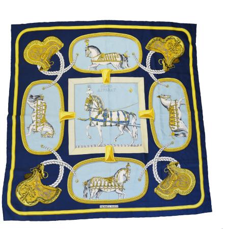 送料無料 【中古】 エルメス HERMES カレ 大判 スカーフ GRAND APPARAT 盛装の馬 ネイビー ライトブルー シルク 100% 05BD415