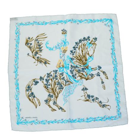 送料無料 【中古】 超美品 エルメス HERMES プチカレ スカーフ 馬 花柄 ライトブルー シルク 100% 01BD476