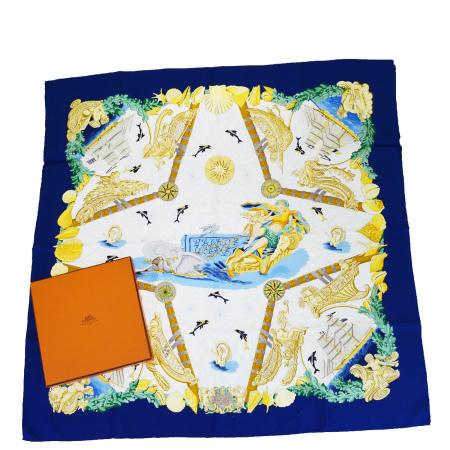 送料無料 【中古】 超美品 エルメス HERMES カレ 大判 スカーフ 天使 白鳥 船 シルク 100% 保存箱付き 69EG561