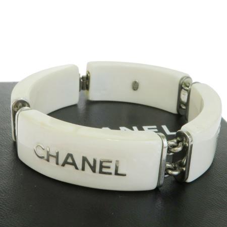 【中古】 美品 シャネル CHANEL ブレスレット バングル ホワイト シルバー プラスチック メタル 保存箱付き 99A 65BG075