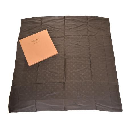 送料無料!毎日 新商品を続々入荷しています!! 送料無料 【中古】 ルイヴィトン LOUIS VUITTON 大判 スカーフ モノグラム ブラウン シルク 100% 保存箱付き 01BJ663