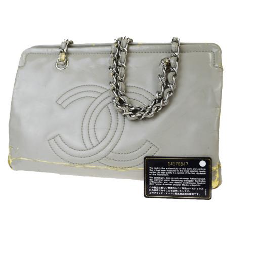 【中古】 シャネル(Chanel) CC logo チェーン パテントレザー ショルダーバッグ グレー 66GB478