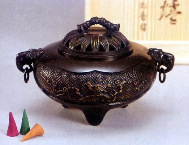 香炉・香立て■ 香炉 梅にウグイス ■青銅(ブロンズ)製 香付 桐箱入り【高岡銅器】