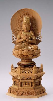 仏像 木製御本尊仏像■真言宗■ 大日如来 円光背 3.0寸 ■ 白檀(びゃくだん) 六角台  ■手彫り