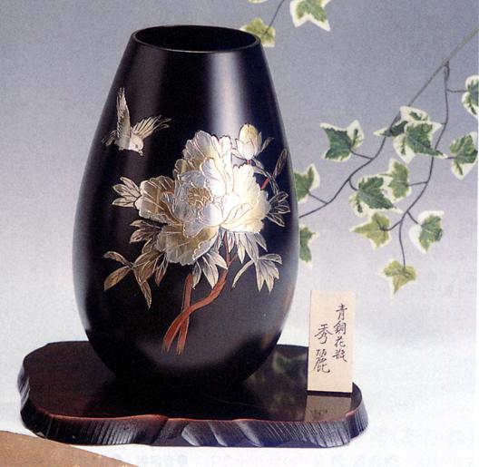 花器・花瓶■ 花瓶 秀麗(牡丹に小鳥) ■木製花台付 青銅(ブロンズ)製 紙箱入り【高岡銅器】