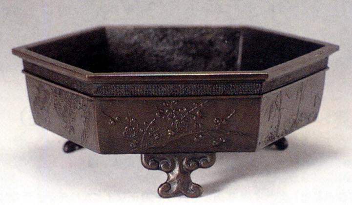 花器・花瓶■ 水盤 六角(松竹梅) ■青銅(ブロンズ)製 紙箱入り【高岡銅器】