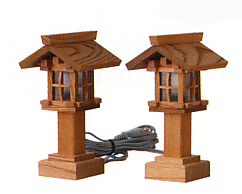 お宮 神棚 神殿■ 木製(欅・ケヤキ)神前灯籠 電装式 板屋根6号 ■神具 付属品