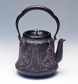 茶器・茶道具■ 鉄瓶 富士型 ■蝋型鋳鉄製 桐箱入【高岡銅器】
