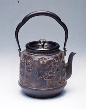 茶器・茶道具■ 鉄瓶 田舎模様 ■蝋型鋳鉄製 桐箱入【高岡銅器】