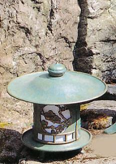 庭園置物■ 燈籠 丸型松竹梅 ■電装付 鋳鉄製 【高岡銅器】